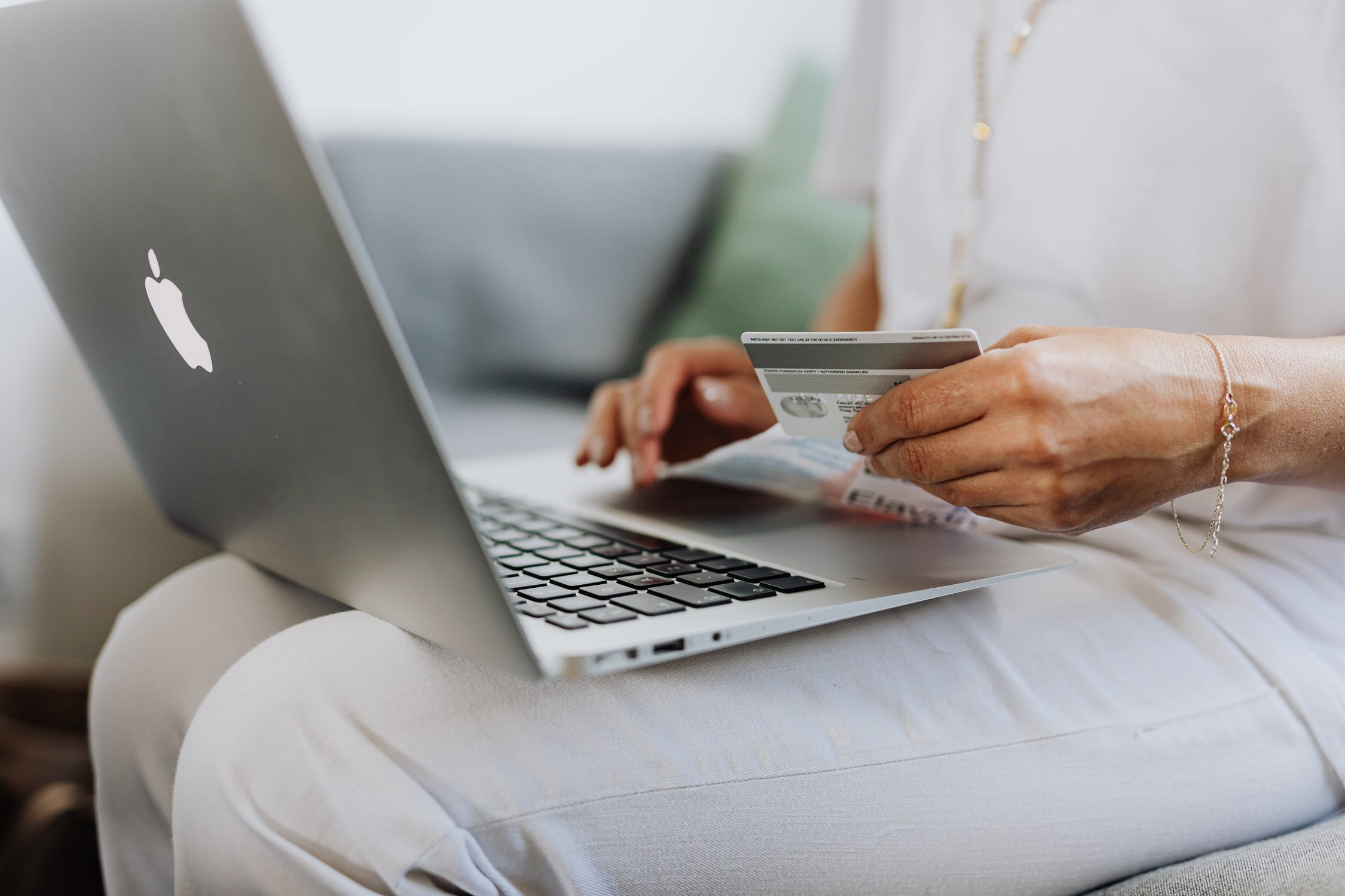 Like many subsets of addictive behaviour, shopping addiction is controversial amongst phycologists, and so there is no clear consensus regarding symptoms nor treatment.